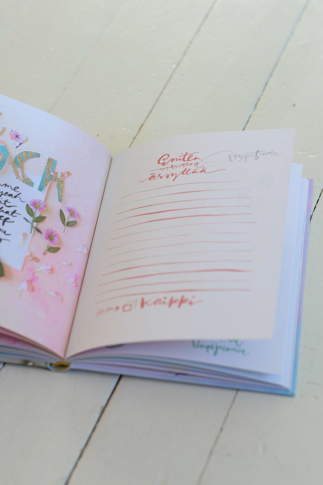 Book review: MUITA IHANIA Lempeyskirja