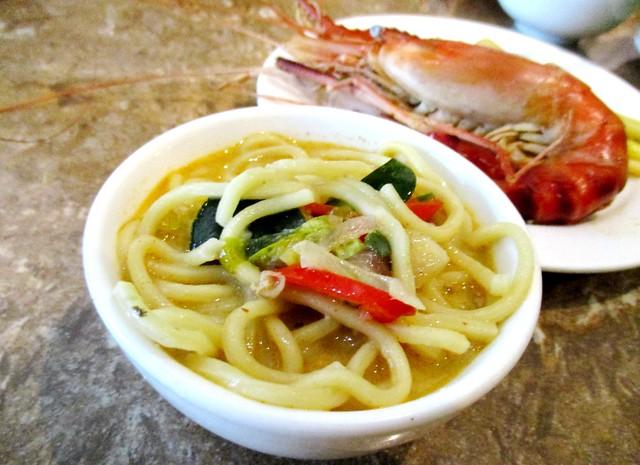 Noodles & prawn