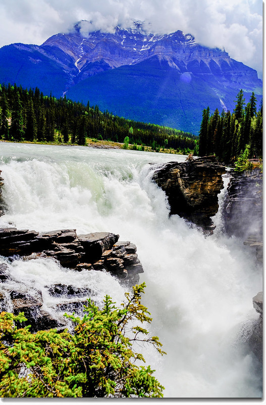 Athabasca Falls with Mount Kerkeslin as a Backdrop (Jasper National Park) 4