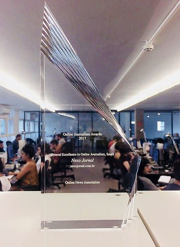 In2017, Nexo became the first Brazilianoutlet to be honored withexcelence award in online journalism from theOnline Journalism Association (ONA) (Courtesy/Nexo)