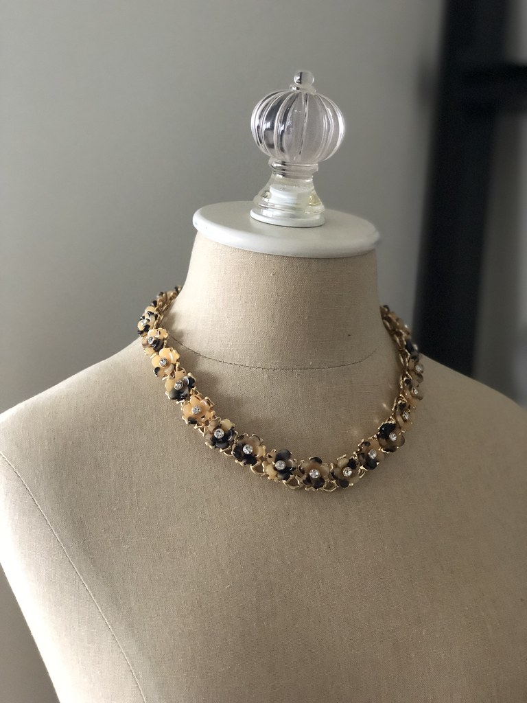 Ann Taylor Tortoiseshell Print Flower Pearlized Necklace