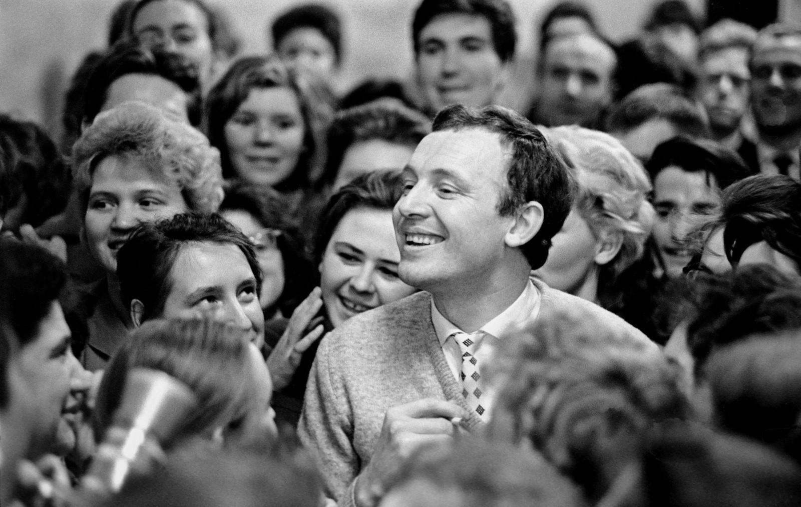 1961. Иннокентий Смоктуновский на встрече в Москве,