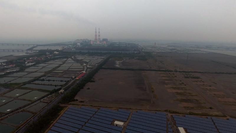 高雄興達燃氣預定開發區、魚塭與既有興達燃煤電廠