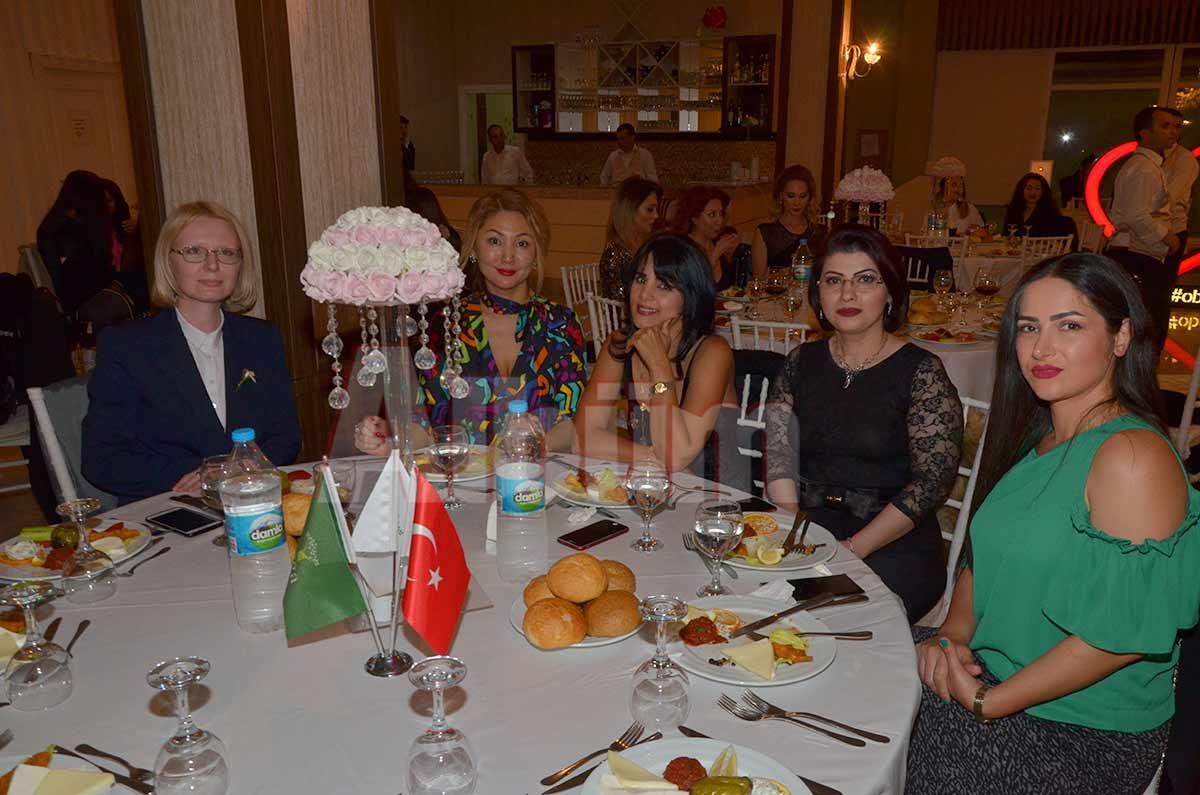 Anastasia Petrova Çetinkaya, Danara Yessimova, Afsaneh Abhas Azan, Sima Zanboori, Sara Masoudi.