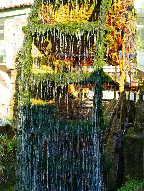 fontaine de Vaucluse 33413402048_55bfd552e9_c