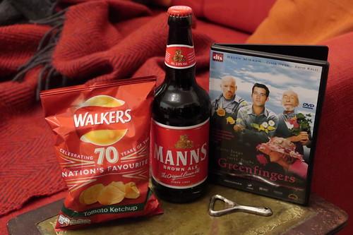 Mann's Brown Ale und Walkers Tomato Ketchup Crisps zum Film