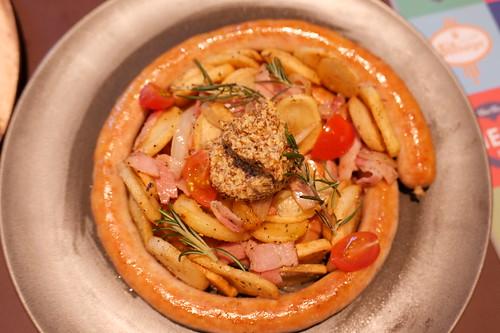 ぐるぐるソーセージ100㎝とジャーマンポテト 100cm Rolled Saausage & German Potatoes