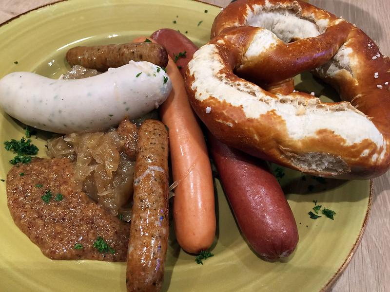 Wurst and pretzel