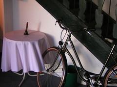 20080830 28584 Jakobus Montbrison Kloster Fahrrad Glocke_01a - Photo of Essertines-en-Châtelneuf