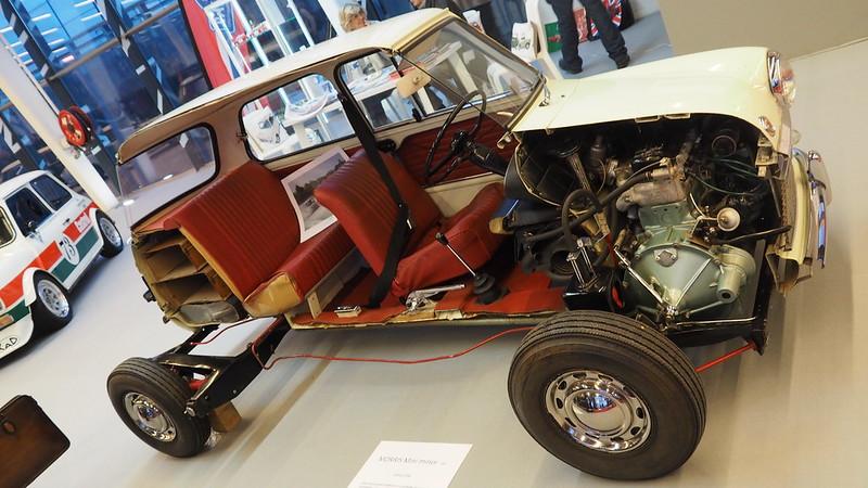 Morris Mini Minor 1968 en coupe -   Retromobile Paris 2019 47048809731_39a55682f7_c