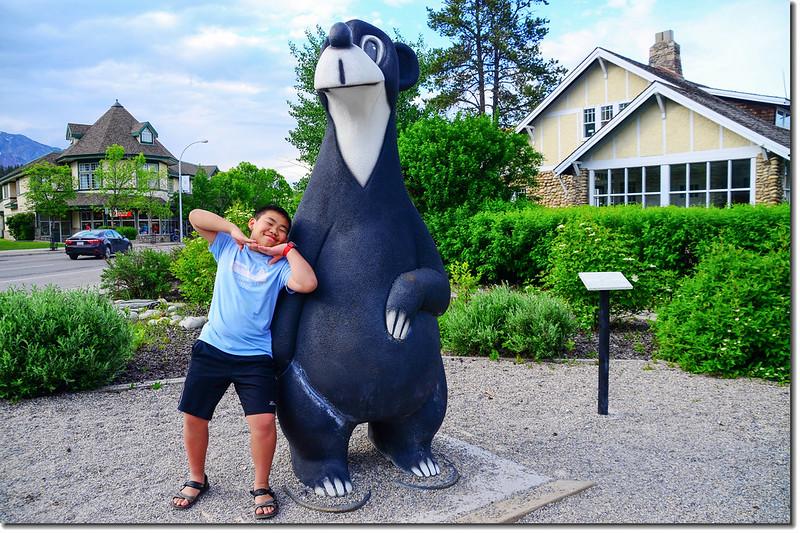 Jasper The Bear Statue (2)