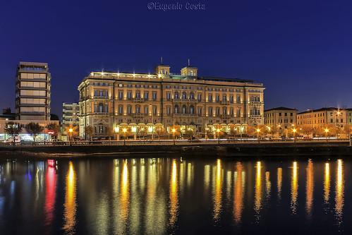 Lungomare e Hotel Palazzo - Livorno  / Seafront and Hotel Palazzo - Livorno, Italy