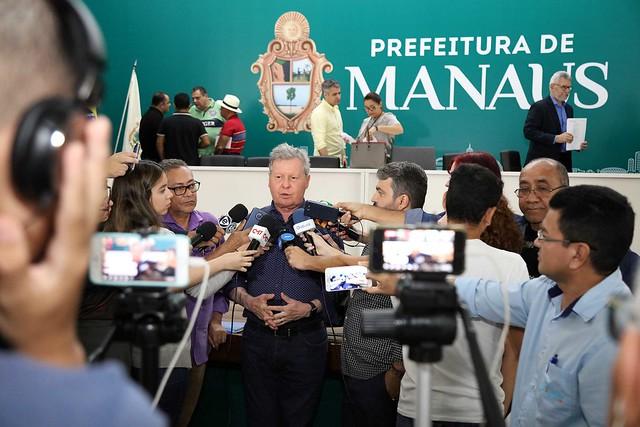 12.02.2019 Prefeito Arthur Virgílio Neto sancionou projetos de leis.