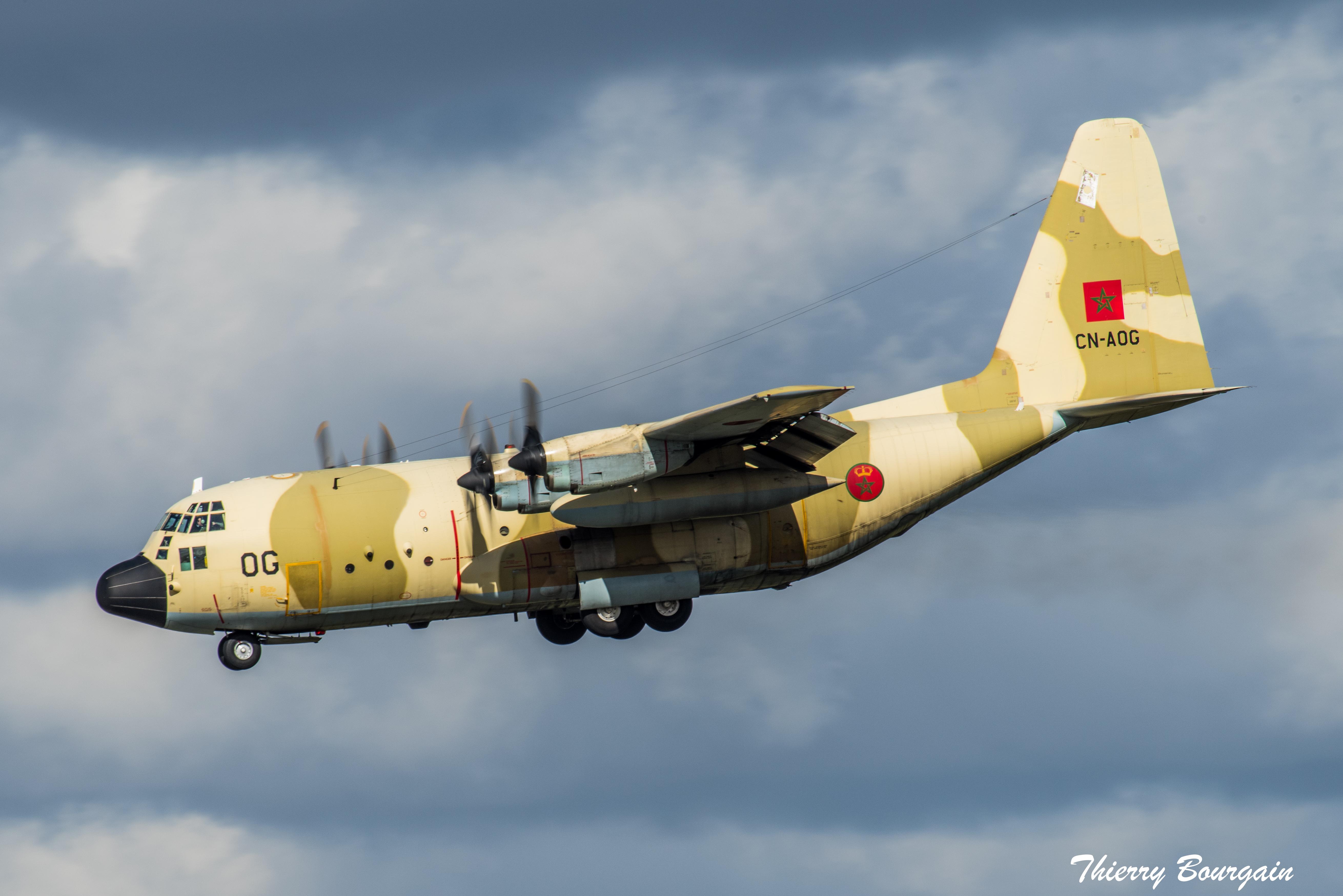 FRA: Photos d'avions de transport - Page 37 33443085618_6a8b89cf51_o