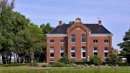 Groningen: Midwolda, boerderij Buitenhof