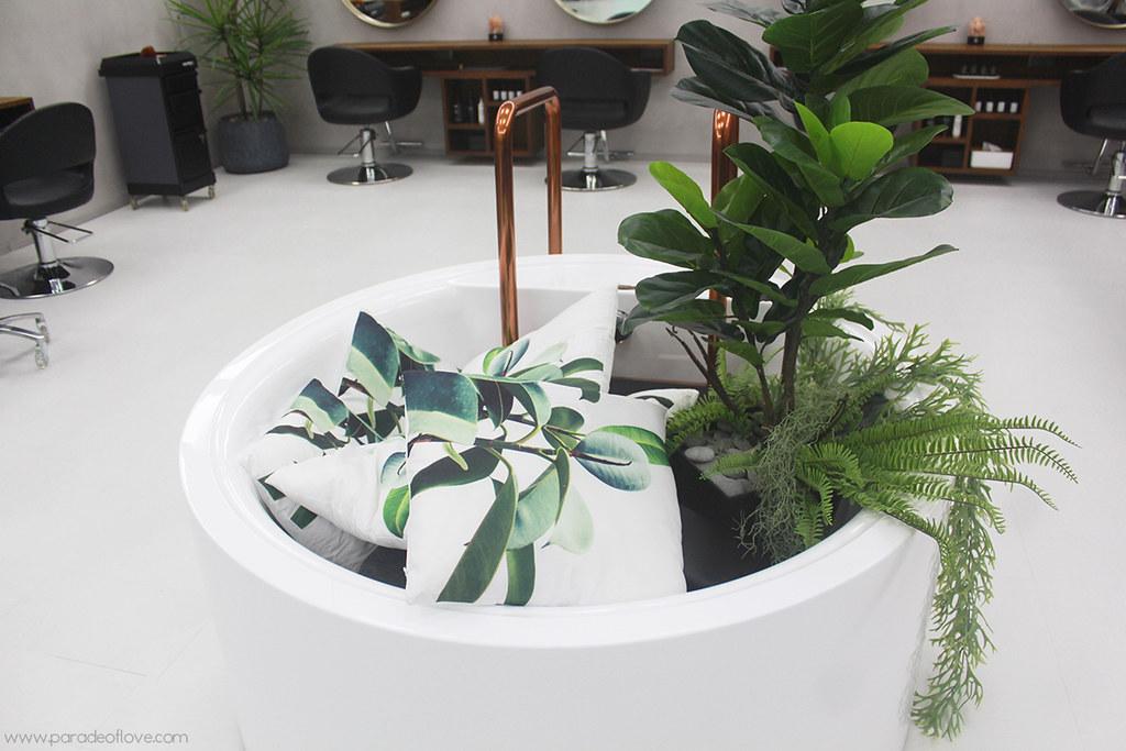 Green bathtub at Chez Vous:HideAway