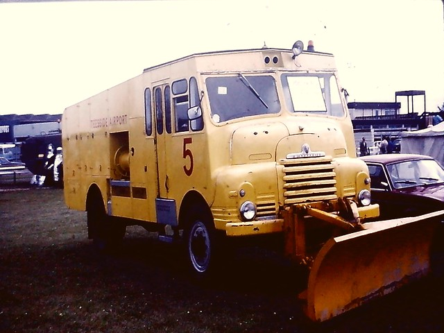 Bedford RLHZ Teesside airport 1982 PGW 509