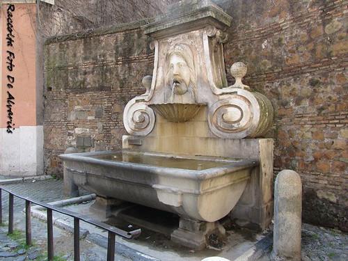 1930 2011 Via Giulia la fontana del Mascherone c