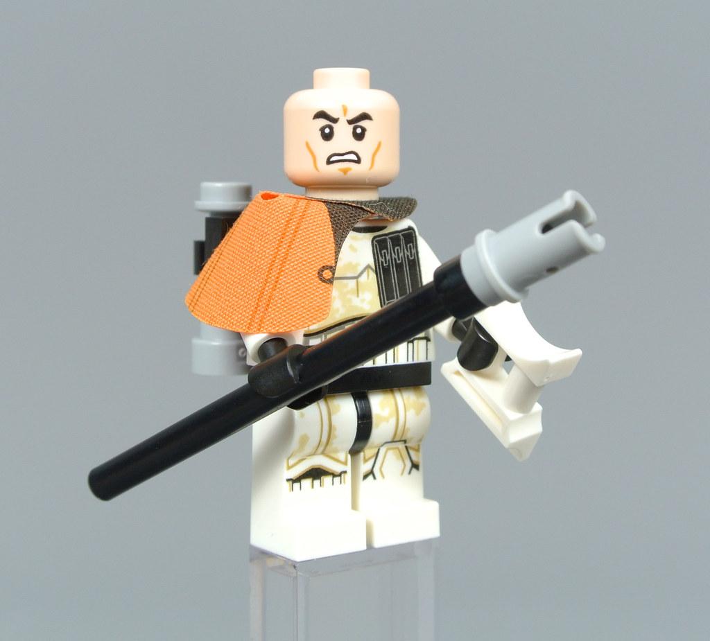 Lego Mini Figure Star Wars Sandtrooper Captain Orange Pauldron from Set 75228