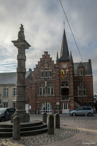 Wommelgem, Gemeentehuis.