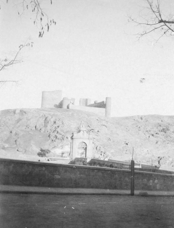 Castillo de San Servando entre 1900 y 1910. Foto de Nahum Sokolow. entre 1900 y 1910. Foto de Nahum Sokolow. © Central Zionist Archives / Harvard University, Judaica Division. Widener Library. Harvard College Library, W727805_14