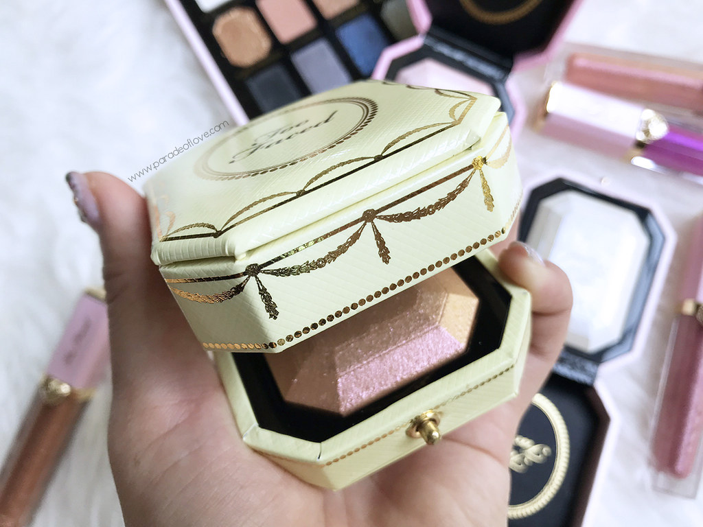 Too-Faced-Pretty-Rich-Diamond-Highlighter_02