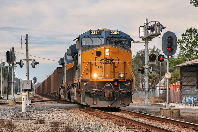 CSX 3254 leads N004 east crossing the NS at Watertown on the east side of Lake City, Florida.