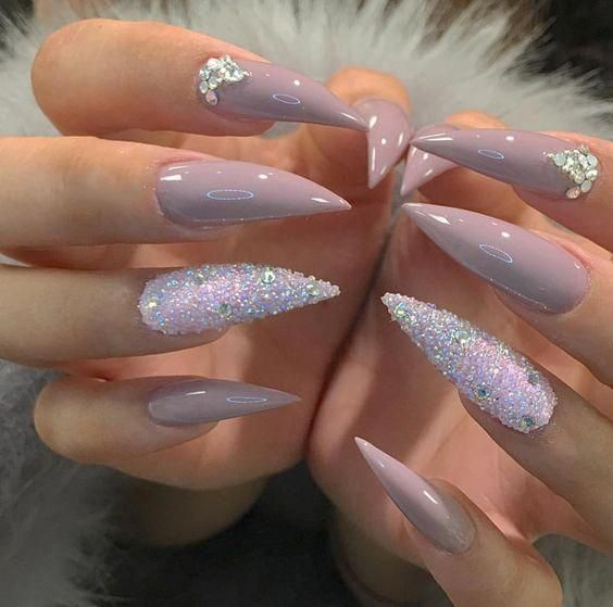 Every serious, tranquil female requires to take off a minimum of one covering in her life, and also the springtime 2019 trendy stiletto nails design gives ...