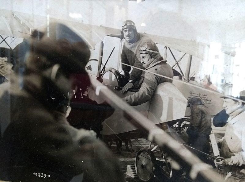 Caudron G-4 1/48 , Etienne Poulet et Jean Benoist, Paris-Melbourne 1919. Decals Meliusmanu 46717648741_b5a38cf892_c