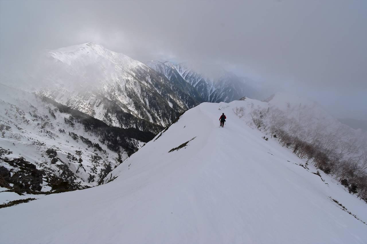 烏帽子岳から下山