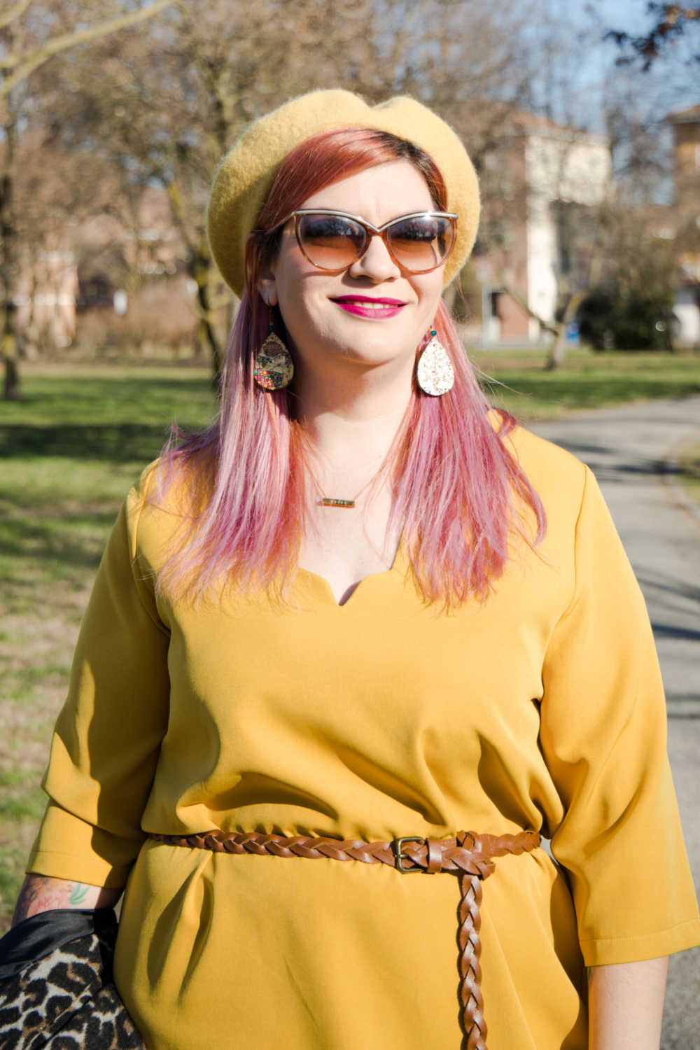 Outfit giallo, plus size (7)