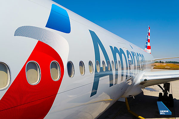 American Airlines billboard B777-200ER (S.Blaise)