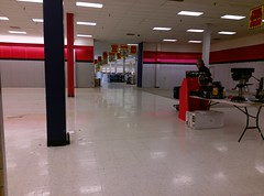 3 more pics from the closed Sears Whitehaven (Memphis)
