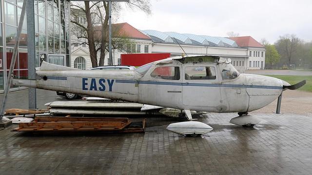 D-EASY