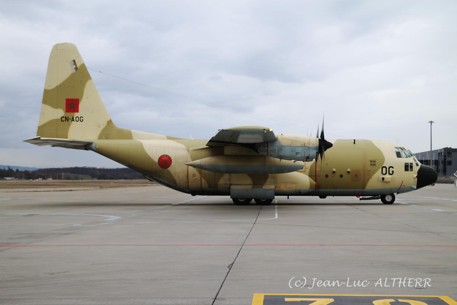 FRA: Photos d'avions de transport - Page 37 33441751138_42c22b4c5b_o