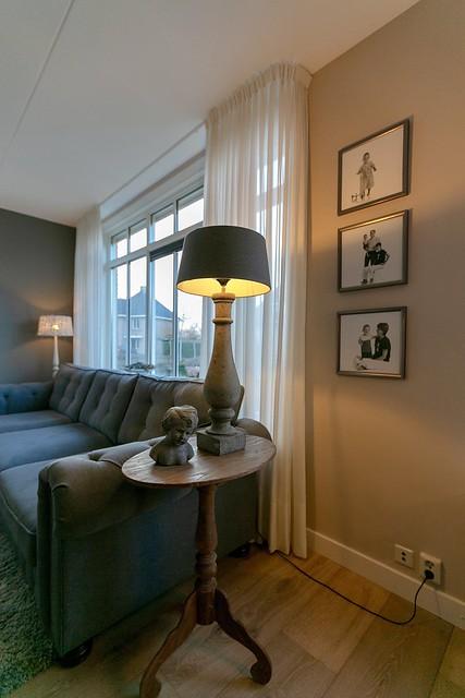 Wijntafel balusterlamp fotolijsten