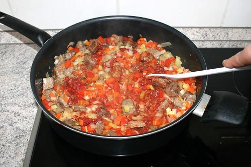 24 - Tomatenmark andünsten / Braise tomato puree