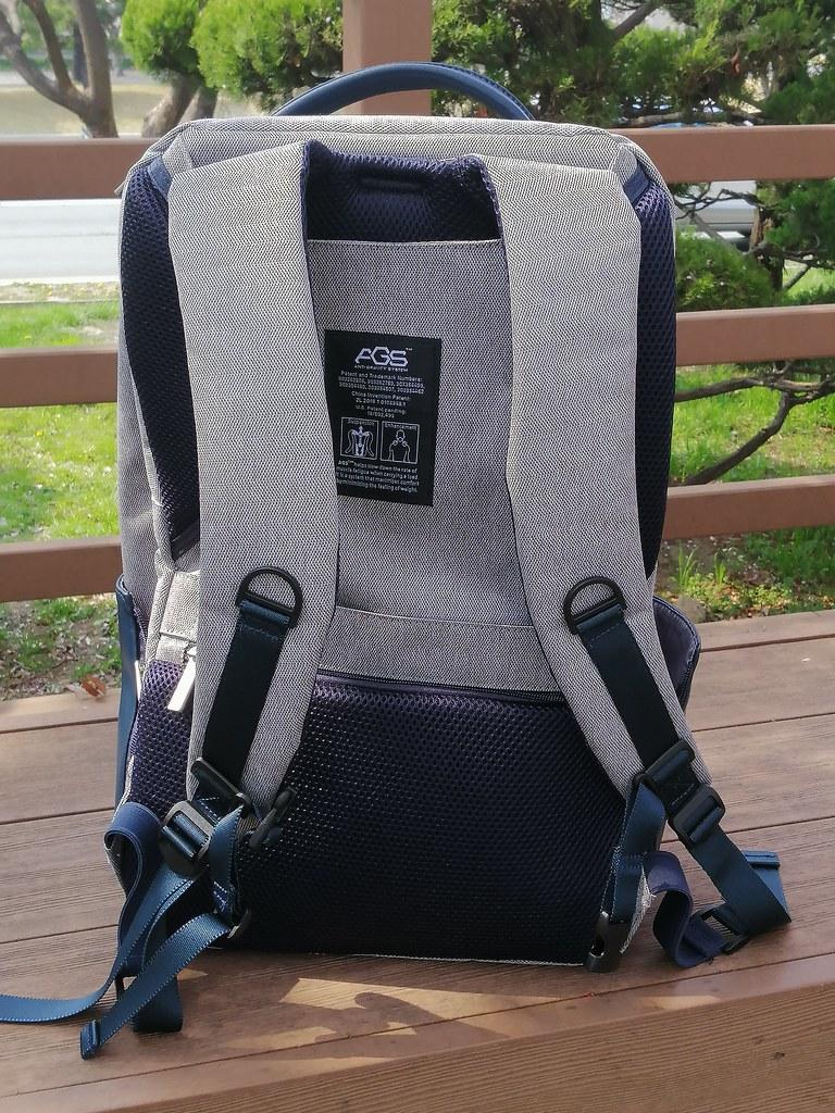 《FX Creations》WEA-17吋AGS回彈減壓電腦背包 (2)