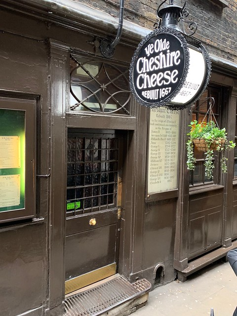 2019 London - Day 10 - Pub Crawl - Ye Old Cheshire Cheese