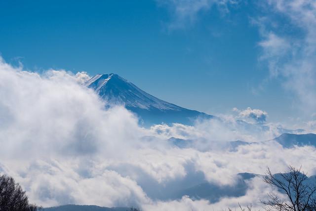 雲が流れて富士山お出まし@大蔵高丸