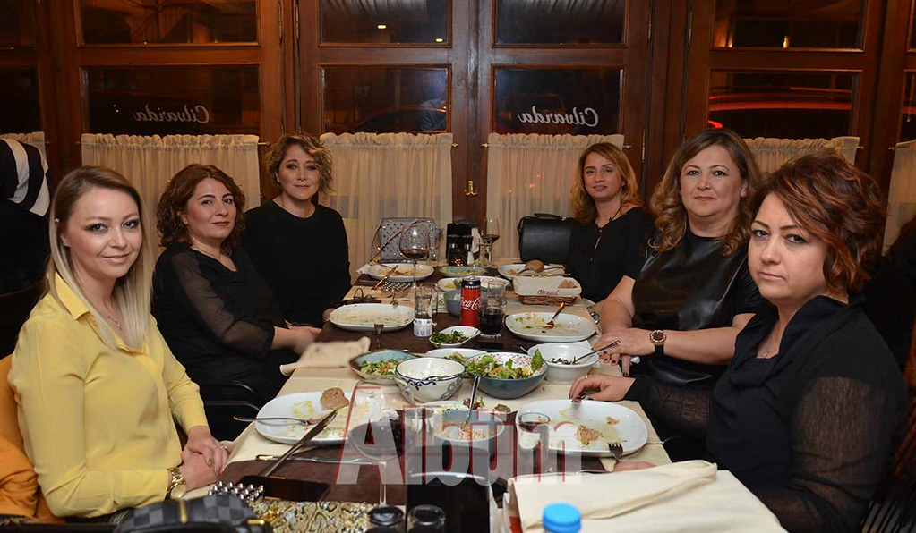 Fulya-Tokuş,-Derya-Haseki,-Selda-Demirtürk,-Tuğba-Özyıldırım,-Esra-Uyar-Beşyazar,-Emine-Akman-Akış