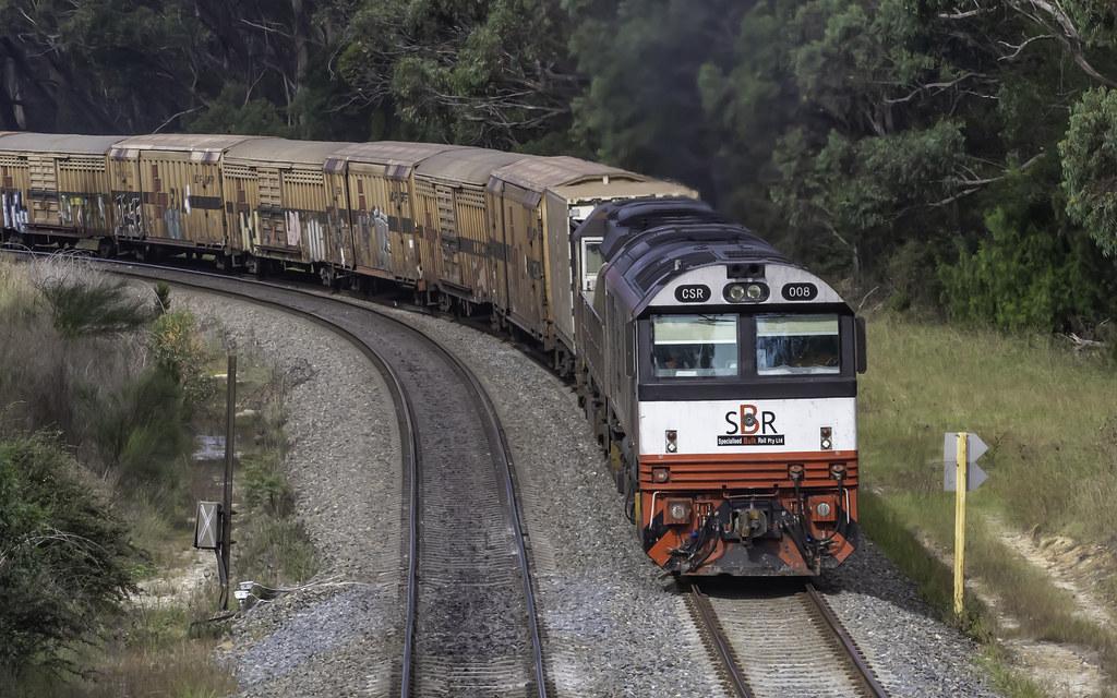 SCT Logistics Loco CSR008, with SCT006, as 5BM9 Brisbane Qld