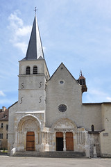 Abadia d'Ambronay - Photo of Douvres