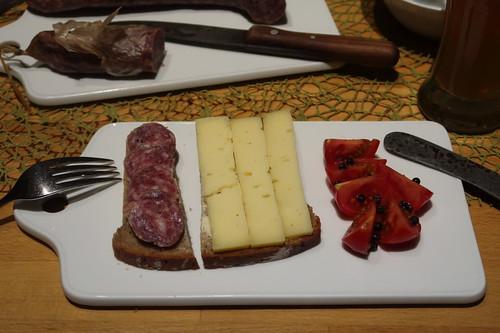 Ahle Wurscht und Deichkäse auf 100%-Roggen-Brot