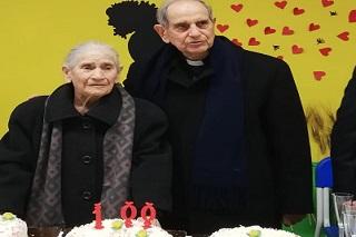 Noicattaro, nonna olimpia front