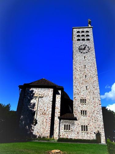 Bludenz, Vorarlberg, Austria (art of religious buildings of Bludenz), Heilig-Kreuz-Kirche, la chiesa di Santa Croce, la iglesia de la Santa Cruz, l'église de la Sainte-Croix, church of the Holy Cross (Sankt-Peter-Straße)