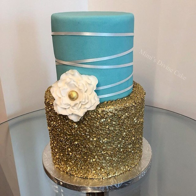 Cake by Mimi's Divine Cake