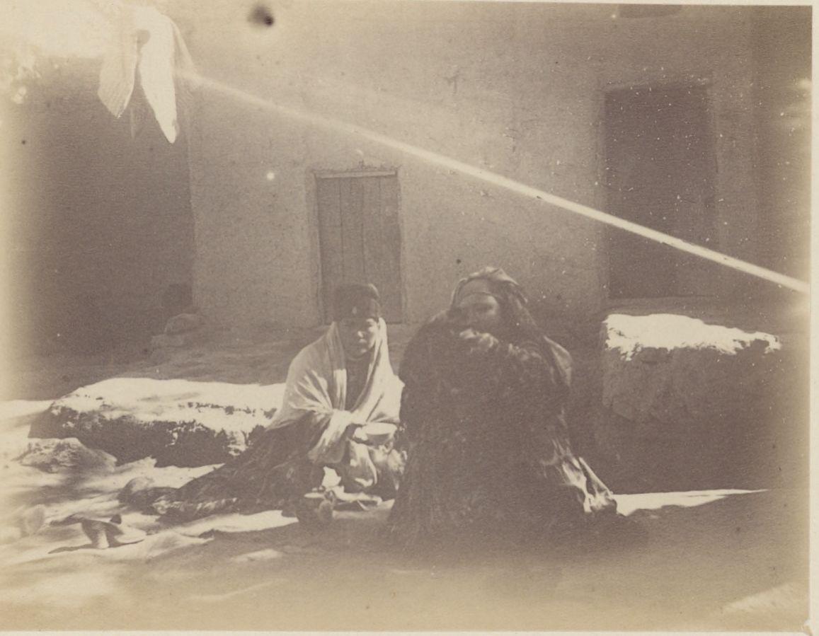 10. Самарканд. Две женщины