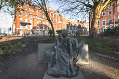 Éire Memorial (1974) By Jerome Connor (1874-1943)[Restored And Relocated Within Merrion Square Park]-148896