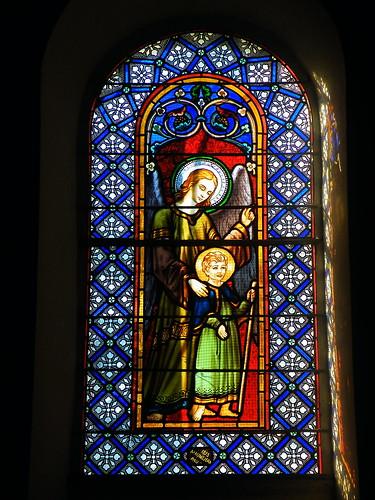 20090601 064 1111 Jakobus Castetnau Kirche Fenster Schutzengel
